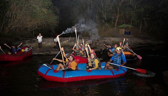 Paket Wisata Adventure Bali Night Rafting Ubud Camp 2015