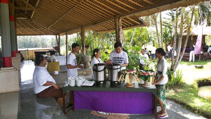 Outing Bali Restaurant Di Ubud Slider 3