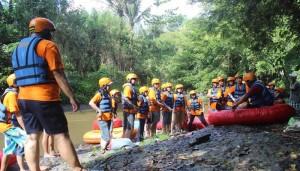Tubing di Bali Sungai Ayung Bogasari Surabaya 07